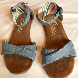 Girls TOMS youth size 1 denim sandal